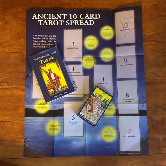 Tarot deck and book